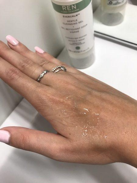 texture gel nettoyant evercalm